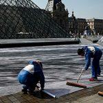 К 30-летию пирамиды Лувра появилась огромная оптическая иллюзия