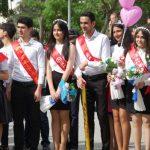 В Азербайджане отличившиеся в учебе выпускники получат аттестаты особого образца