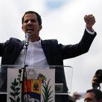 Гуайдо назвал незаконным пребывание военных из РФ и Кубы в Венесуэле