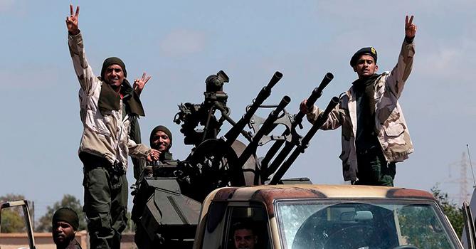 Армия Хафтара объяснила удар по складу оружия в порту Триполи
