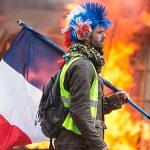 """""""Желтые жилеты"""" и экологические активисты провели манифестацию в Париже"""