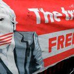 По словам адвокат Ассанжа, он арестован в связи с запросом США