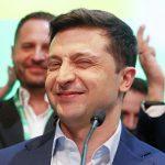 Украинцы считают Зеленского эффективнее Порошенко