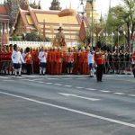 В Бангкоке проходит королевская процессия по случаю коронации Рамы Х