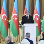 Ильхам Алиев принял участие в официальном приеме по случаю Дня Республики