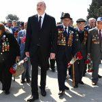 Ильхам Алиев принял участие в церемонии по случаю 9 Мая – Дня Победы
