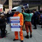 Приговор по делу Ассанжа возмутил его сторонников