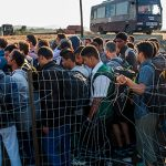 Венгрию обвинили в намеренном лишении еды мигрантов