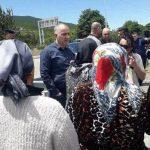 В Грузии закрыли дорогу в село, где проживают азербайджанцы, жители проводят акцию