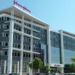 Johnson & Johnson продаст США 100 млн доз вакцины от COVID-19 за $1 млрд