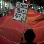 В Бразилии около 45 миллионов человек протестуют против пенсионной реформы