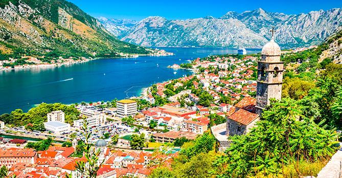 Черногория открывает границы для туристов