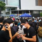 Тысячи демонстрантов вновь заблокировали правительственный комплекс в Гонконге