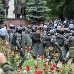 Полиция задержала порядка 700 человек за участие в незаконных акциях в Казахстане
