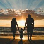 Право на семью: благодаря выплате пособий воспитанников детдомов станет меньше