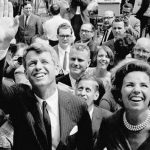 На убийцу Роберта Кеннеди совершено нападение
