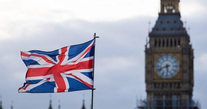 В Британии число зараженных коронавируом достигло 37, 8 тыс.