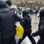 На акции в Москве начались задержания участников акции в поддержку оппозиционных кандидатов