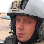 Проходит церемония прощания с погибшим пилотом МиГ-29 Рашадом Атакишиевым