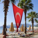 Туристический сезон могут продлить в Турции