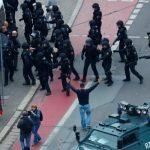 Почти 80 полицейских пострадали в ходе протестов против карантина в Берлине