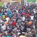 """В Гаити протестующие бросили """"коктейль Молотова"""" на территорию посольства Канады"""
