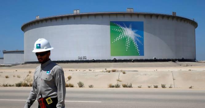 Саудовская Аравия сохраняет планы нарастить с апреля добычу до 12,3 млн б/с