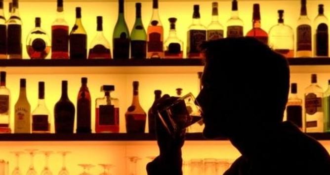 Риски повышения акцизов на импорт алкоголя: в страну может хлынуть контрабанда