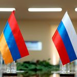 Россия вооружает Армению, а в Ереване выступают против Путина