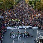 В Барселоне проходит акция протеста в поддержку осужденных политиков