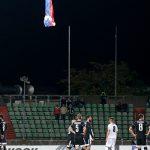 УЕФА должен наказывать тех, кто смешивает спорт с политикой