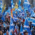 Более 100 тыс. сторонников независимости Шотландии вышли на улицы Эдинбурга