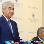 «Ени Азербайджан» делает революцию
