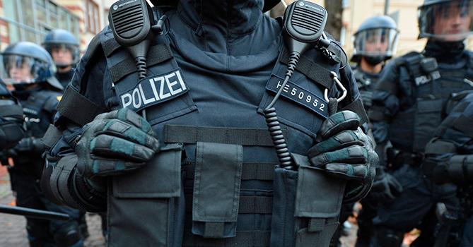 Экстремисты в Германии обнародовали 24 «списка врагов» с адресами