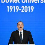 Ильхам Алиев принял участие в церемонии, проходившей по случаю 100-летнего юбилея БГУ