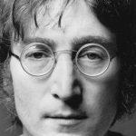 На аукционе Sotheby's продали очки Джона Леннона