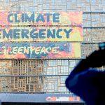 Greenpeace провел акцию в защиту климата перед саммитом ЕС