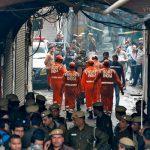Во время пожара на фабрике в Нью-Дели погибли не менее 43 человек