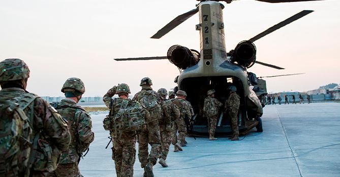 Президент Афганистана и Байден обсудили вывод войск США
