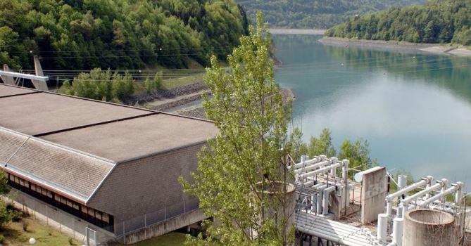 Во Франции в знак протеста остановили работу самой мощной ГЭС