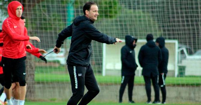 «Нефтчи» расторг контракт с тренером по физподготовке