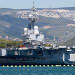 """Атомный авианосец """"Шарль де Голль"""" отправляется в Средиземное море"""