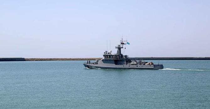 Пограничники Казахстана задержали четырех азербайджанцев в Каспийском море