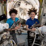 Женщины-астронавты NASA успешно завершили многочасовой выход в открытый космос