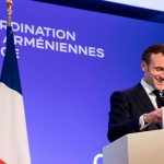 Макрон заявил, что Франция является одним из главных гарантов продолжения мирных переговоров по Карабаху