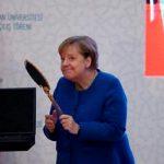 Зеркало и Меркель – на что намекает Эрдоган?