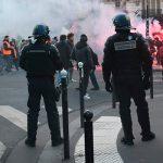 На акции протеста в Париже задержали тринадцать человек