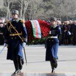 Ильхам Алиев и Мехрибан Алиева приняли участие в церемонии поминовения памяти жертв Ходжалинского геноцида