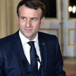 Власти Франции объяснили, почему Макрон ходит по больницам без маски