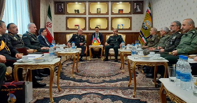Делегация Минобороны Азербайджана находится с визитом в Иране